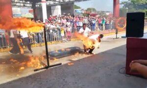 Policía se incendia al intentar acrobacia en evento con motivo de la Revolución