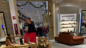 Captan a Ana Guevara, titular de la Conade, de compras en horario laboral