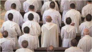 Proponen incluir a sacerdotes en Código Penal para que puedan ser juzgados por delitos sexuales