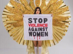 Miss Brasil se manifiesta en contra de la violencia a las mujeres en certamen de belleza