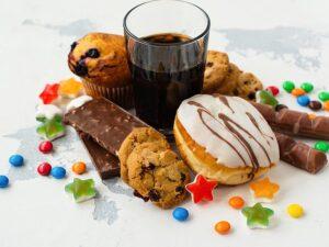 Estudio afirma que la industria ocultó daños que causa el consumo de azúcar
