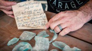 Albañiles encuentran una nota que estuvo escondida dentro de un muro por más de 100 años