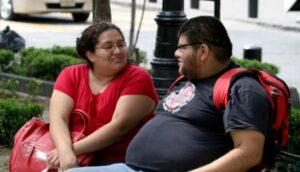 Alimentos ultra procesados y no las garnachas dispararon la obesidad en México, asegura Organización Panamericana de la Salud