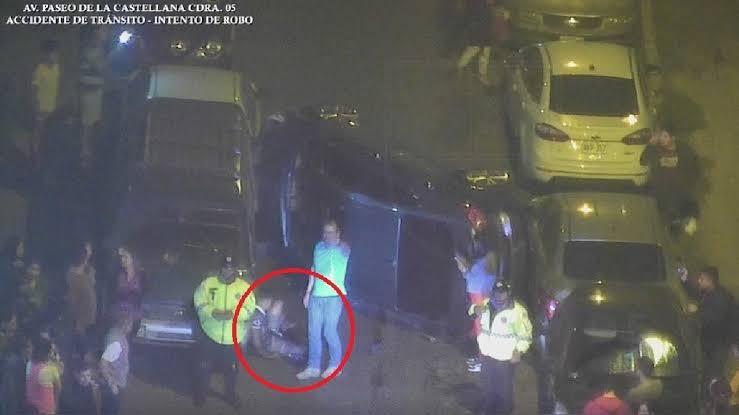 Ladrón es aplastado por un auto al intentar asaltar a una conductora en Perú