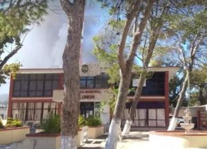 Usuarios reportan balacera contra la presidencia de Villa Unión, Coahuila