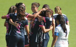 Directiva promete bono a equipo femenil de Rayados por ganar torneo y solo les dará un iPad