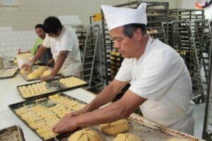 Canadá ofrece empleo a panaderos mexicanos con un sueldo de más de 32 mil pesos mensuales