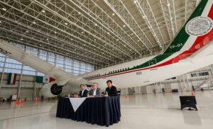 Letras Libres lanza concurso para escribir cuento sobre el avión presidencial