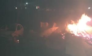Sujetos armados incendian 22 casas y 7 vehículos en Las Pomas, Chihuahua