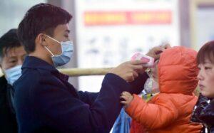 OMS corrige de 'moderado' a 'alto' nivel de riesgo global por coronavirus
