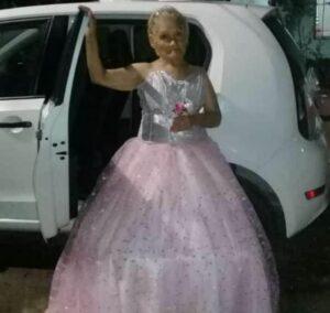Abuela cumple su sueño y celebra su fiesta de XV años en Argentina