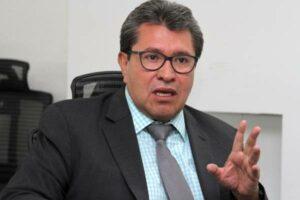 Morena propone reforma para evitar que amparos frenen proyectos de AMLO