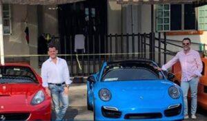 Sergio Mayer presume fotos con autos de lujo y después aclara que no son de él