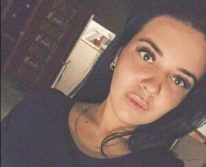 Mujer se va de fiesta una semana y deja sola a su hija; la niña murió por falta de comida