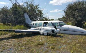 Sedena decomisa 600 kilos de cocaína de avioneta en Quintana Roo