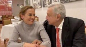 AMLO festeja cumpleaños de su esposa en restaurante de la CDMX