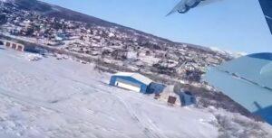 Pasajeros graban cómo un avión cae de una altura de 10 metros
