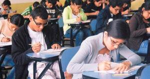 """Si eres universitarios puedes postularte a las becas """"Elisa Acuña"""""""