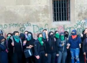Feministas protestan en Palacio Nacional por feminicidio de Fátima