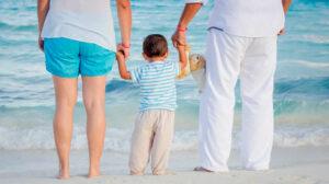 Policía de España alerta a padres sobre peligros de compartir fotos de sus hijos