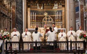 Legionarios de Cristo presuntamente intentan sobornar a víctima de pederastia