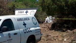 Cuerpos hallados en fosa de Michoacán suben a 24