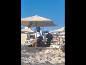 """Policías sacan a turistas de Playa Mamitas por """"no consumir"""""""