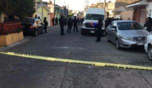 Hallan cuerpos de dos mujeres y un hombre en Ecatepec
