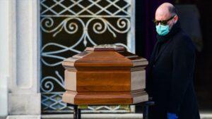 Suspenden funerales en Italia para evitar más contagios de coronavirus