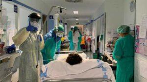 Muere mujer tras haber sido dada de alta por coronavirus en España