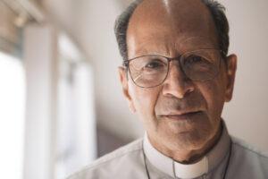Twitter elimina mensajes de Padre Solalinde y Jair Bolsonaro sobre fake news de Covid-19