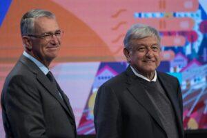 Salinas Pliego pide salir a detener la crisis económica; dice que el coronavirus no es mortal