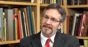 """John Ackerman asegura que AMLO es """"científico"""" y hará frente al Covid-19"""