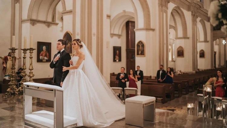 Senador de Nuevo León se casa por la iglesia pese a cuarentena por Covid-19