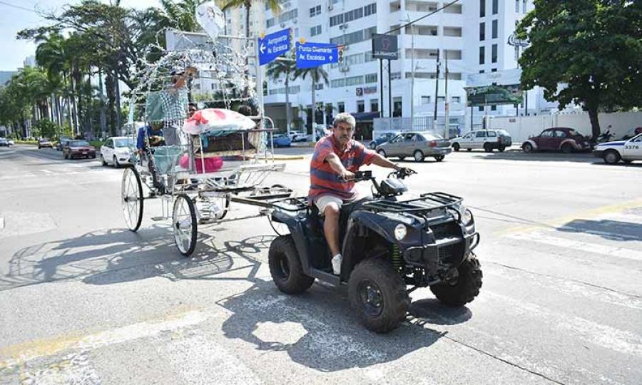 Sustituyen los caballos de las calandrias en Acapulco