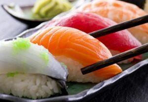 El pescado crudo tiene 283 veces más parásitos que hace 40 años, indica estudio