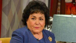 Embajada de China exige disculpa pública a Carmen Salinas por culparlos del coronavirus
