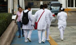 Enfermeras sufren acoso y ataques en Culiacán debido al coronavirus