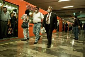 Claudia Sheinbaum pide usar cubrebocas en el transporte público de la CDMX