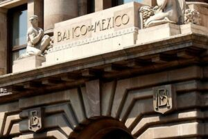 Analistas consultados por Banxico prevén contracción de 3.99 % en la economía mexicana para 2020