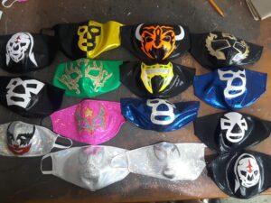 """""""El  Hijo del Soberano"""" elabora mascarillas decoradas para protegerse del coronavirus"""