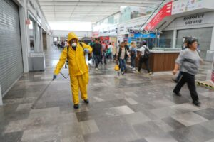 Gobierno de Naucalpan sanitiza instalaciones del Mexipuerto Cuatro Caminos