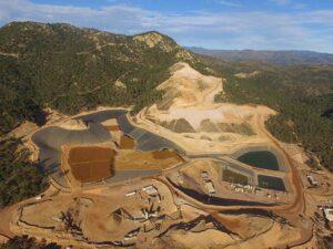 Comando roba barras de oro y plata de mina Mulatos en Sonora