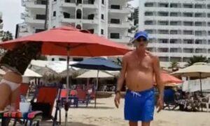Turistas agreden a reportera por grabarlos tomando el sol en una playa de Puerto Vallarta
