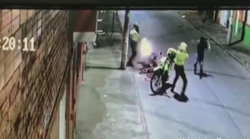 Sujeto viola la cuarentena y al ser detenido dispara en contra de dos policías