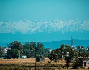 Gracias a la cuarentena la contaminación se redujo y El Himalaya es visible en la India