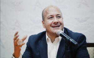 Enrique Alfaro acusa a López-Gatell de impedir que lleguen pruebas de covid-19