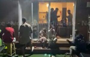 Jóvenes españoles organizan fiesta en Australia pese a restricciones por Covid-19