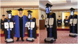 Universidad de Japón realiza graduación virtual con robots debido a la pandemia