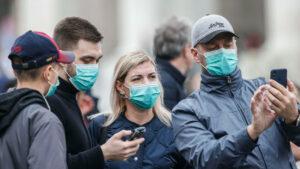 Cubrebocas no pueden detener por sí solos la pandemia: OMS